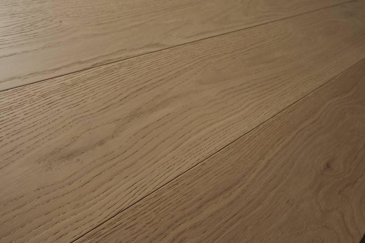 Parquet Spazzolato O Liscio pavimenti in legno laccato o parquet con effetto naturale?