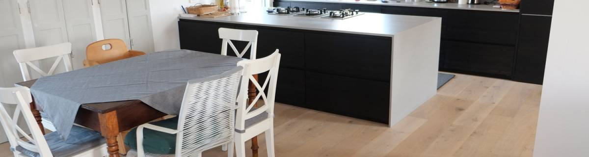 Parquet (o pavimento in legno) in bagno e in cucina